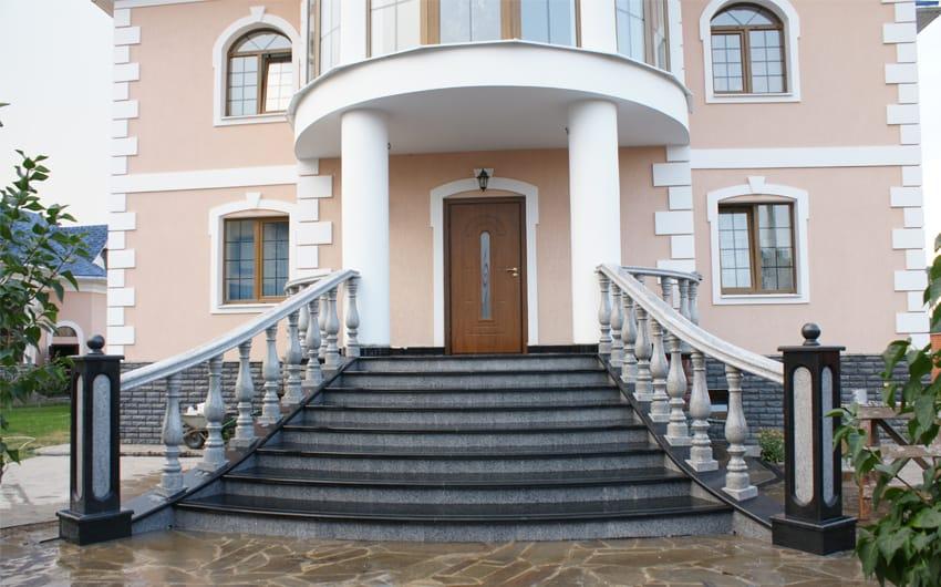 Лестница из гранита Абсолют Блэк и Роял Вайт