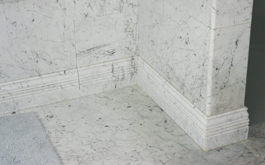 Стены из мрамора Бьянка Каррара